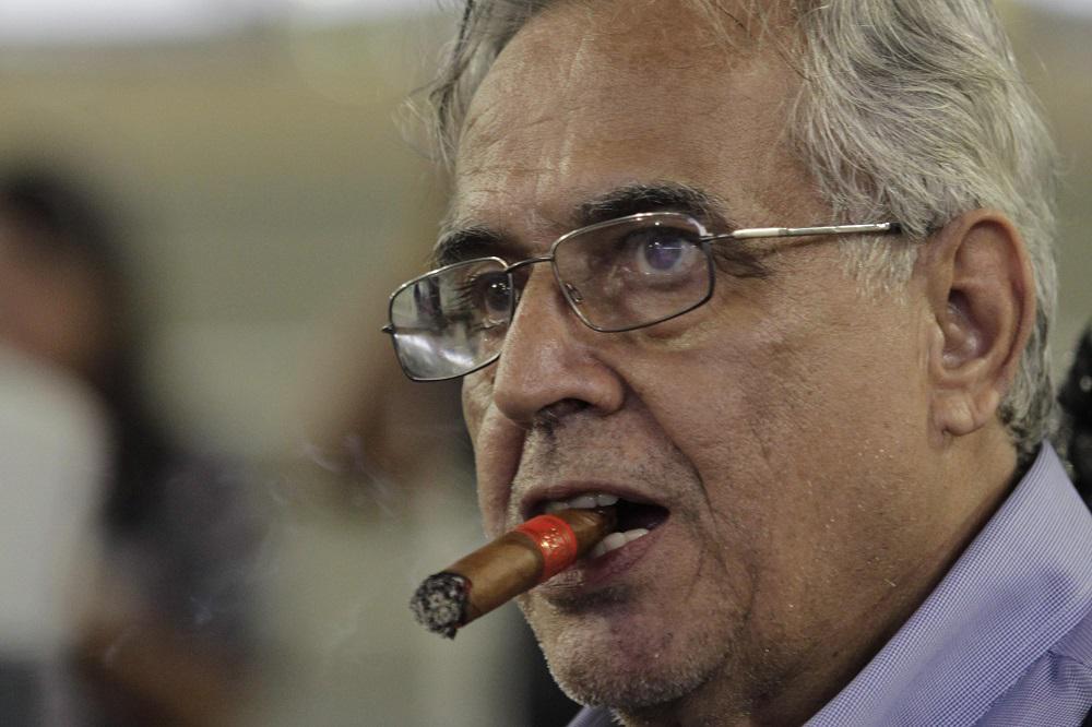 'O grande reforço do Vasco sou eu. Não tem hipótese de rebaixamento', diz Eurico Miranda. http://t.co/7e5YPVLJ7k