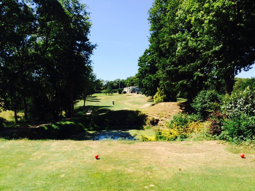 The last hole at Tenterden GC has to be the most picturesque on the course. http://t.co/Qif8BDK9wn