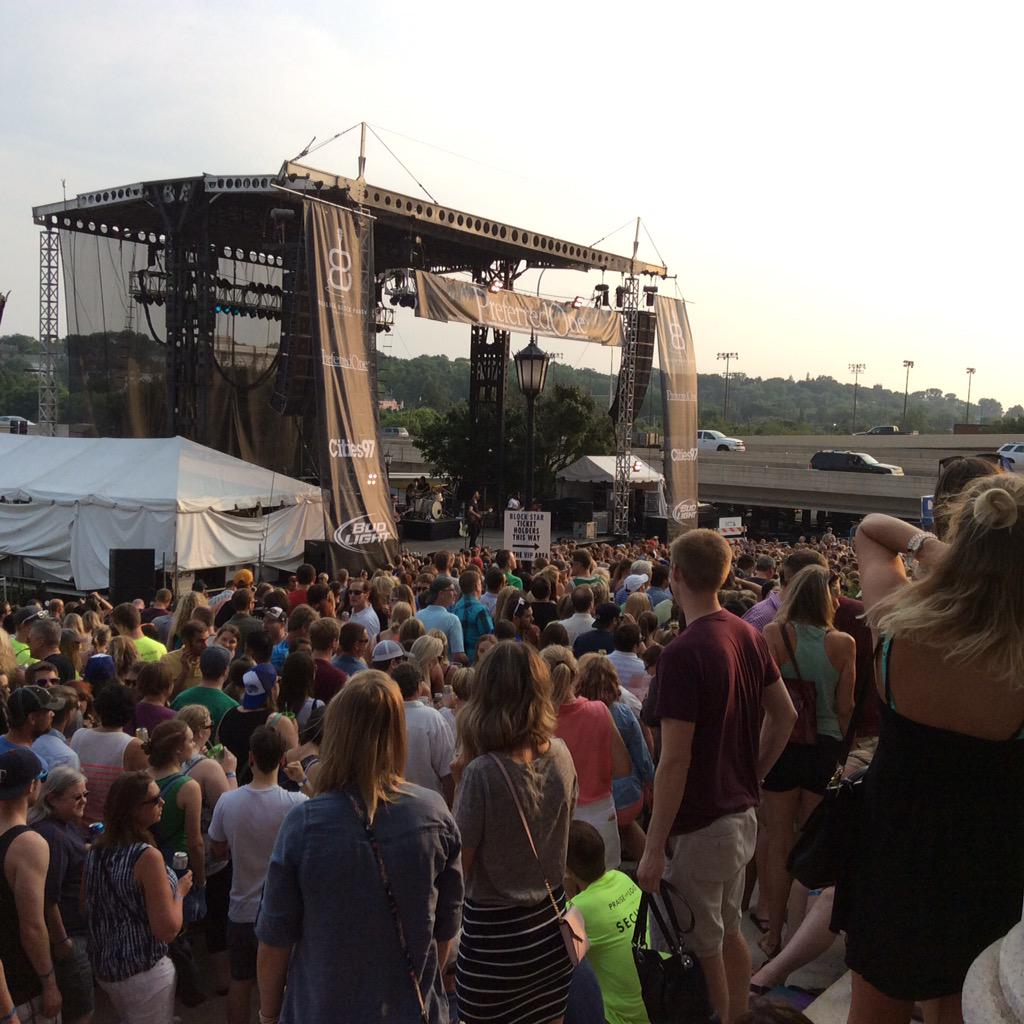 Mat Kearney at Basilica Block Party- just one great reason- Minnesota Summer Nights! @cities97radio #Cities97BBP #mn http://t.co/HUF7gzBhGK