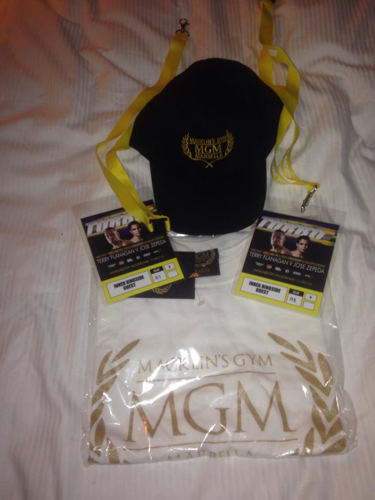 For a chance to win 2x ringside passes for my fight Tomo on @boxnationtv and some @mgm_clothing #RT http://t.co/VqYlYUY1DF