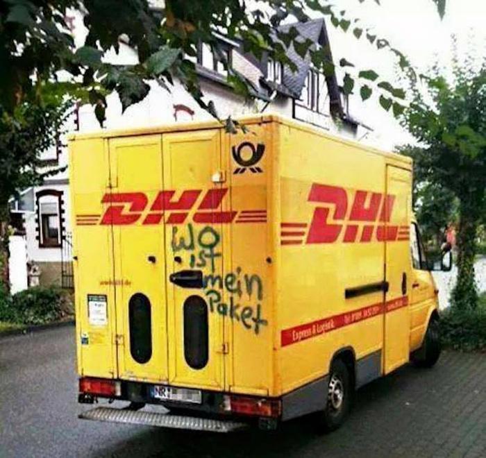 @DHLPaket Heute im #Netz ein sehr schönes #Bild vom einem #Paket Fahrzeug gesehen. http://t.co/F9RkmWBe9v
