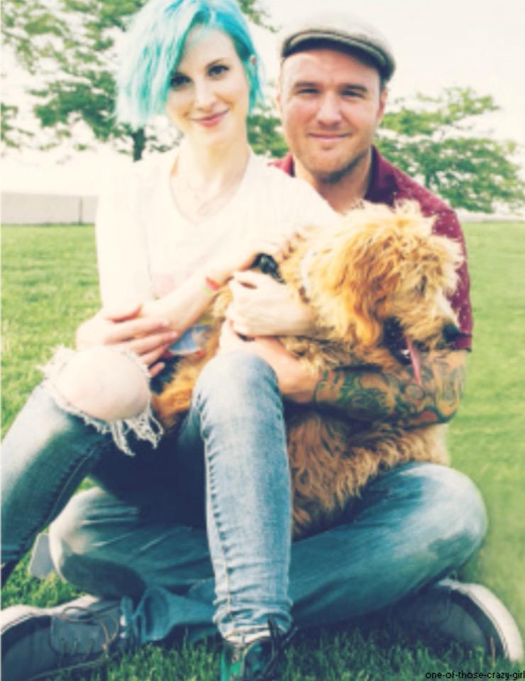 Hayley and Chad appreciation tweet http://t.co/OQG71m6ifu