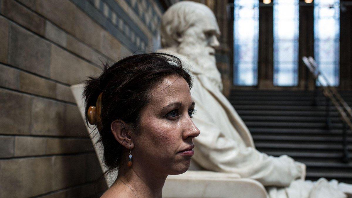 Laura Keynes Facebook Laura Keynes o Dinle