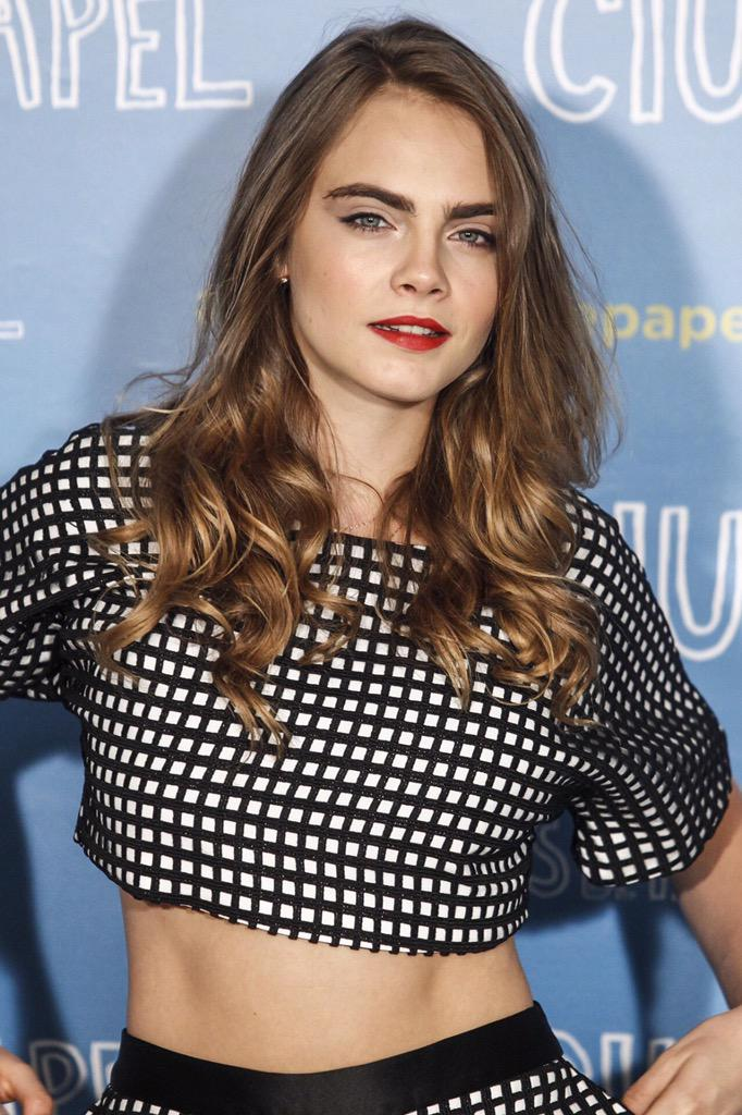Cara Delevingne Hd New 2015 wallpapers,frame picture,resim download wallpaper