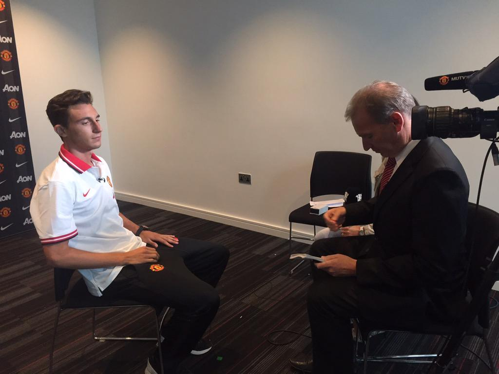 Exclusive interview with @DarmianOfficial coming up on #mutv later this evening - time TBC #mufc @manutd http://t.co/VaxMDqKlYl