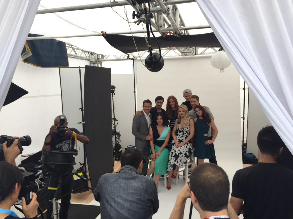One of the best looking casts if we do say so.. #Oncers #OnceUponATime #TVGMyacht #SDCC http://t.co/Atlw40mY2k