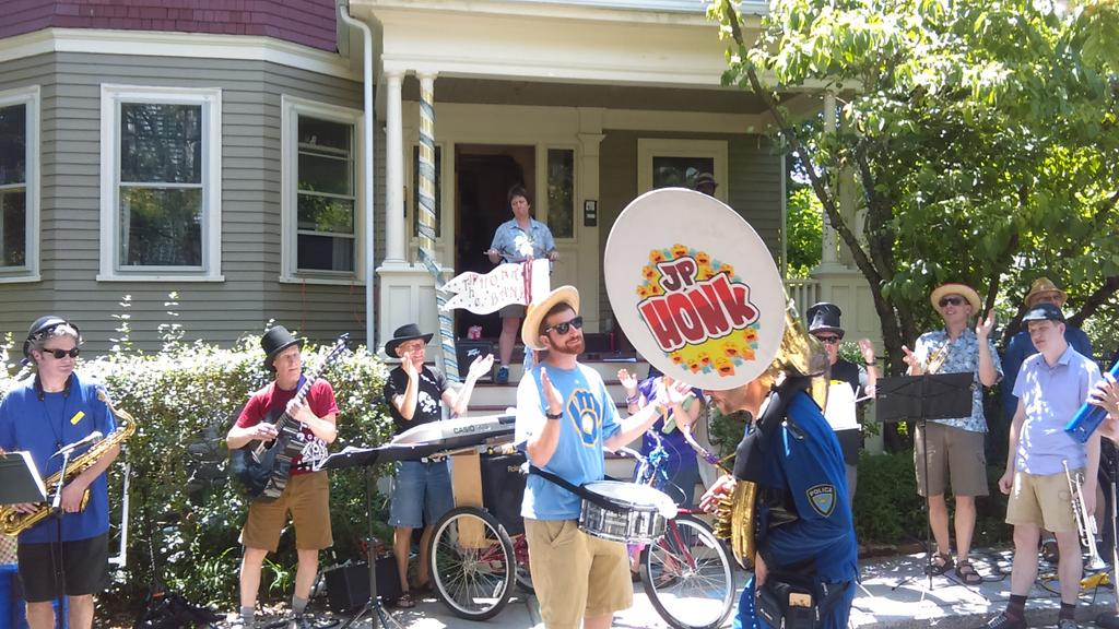 #jpporchfest @thefenway http://t.co/5s2RULIx4v