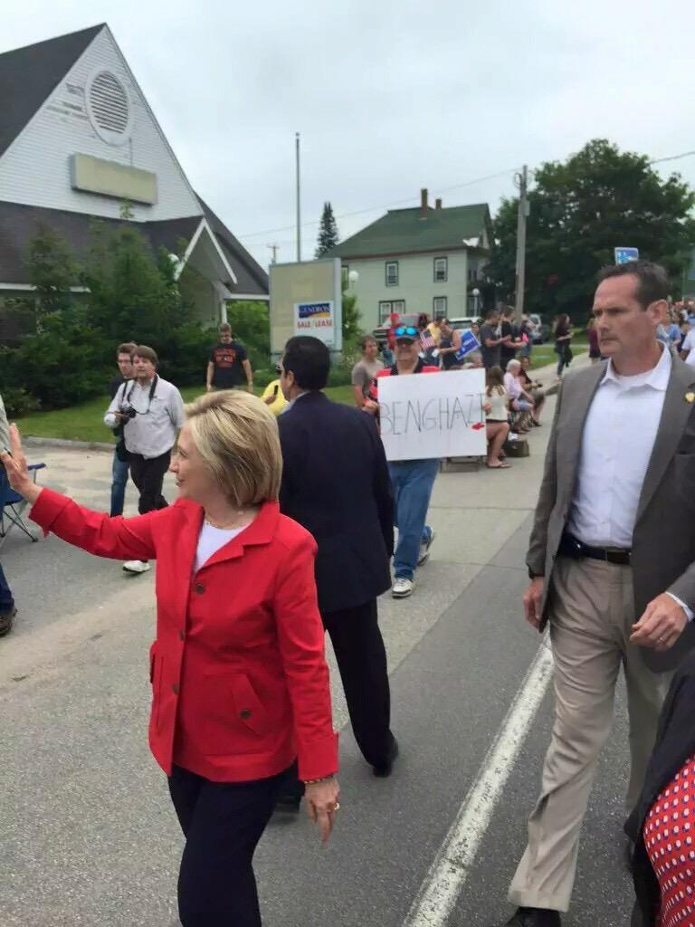 A round of applause for the patriots following #HillaryClinton around in NH with #Benghazi signs!   #tcot #WAR http://t.co/vDxqHr3rAY