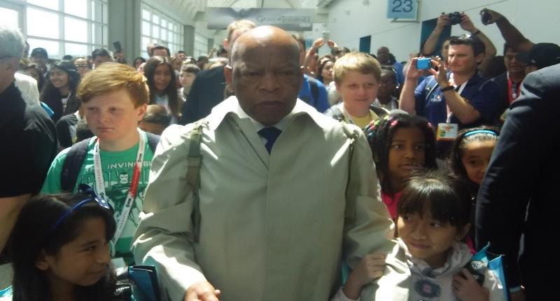 Rep. John Lewis wows Comic-Con with graphic novel that brings civil rights heroics to life http://t.co/IwPHsGwbNy http://t.co/mnCc9cHvyF