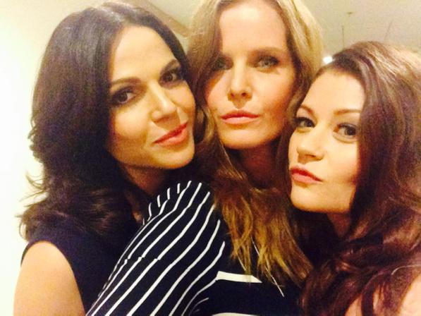 Once Upon A Fine! #SDCC @emiliederavin @LanaParrilla
