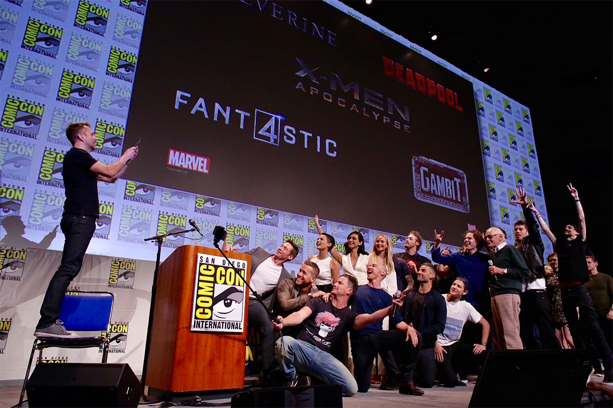 Comic-Con: Channing Tatum takes photo with all the X-Men and Stan Lee