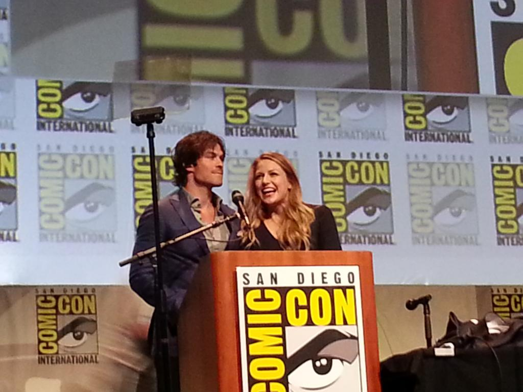 #melissabenoist and #iansomerhalder closing the #dcpanel in #HallH! #sdcc2015 #ComicCon2015 http://t.co/DQJ0y6XNY4