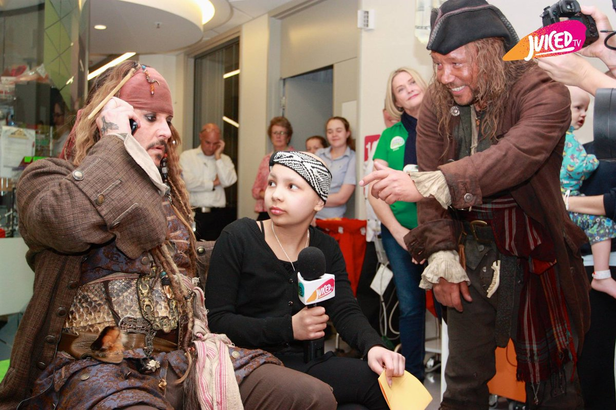 See Captain Jack Sparrow and Scrum visit the Lady Cilento Children's Hospital in Brisbane... https://t.co/snkAGQw6hH http://t.co/BBL8Pwxpbg