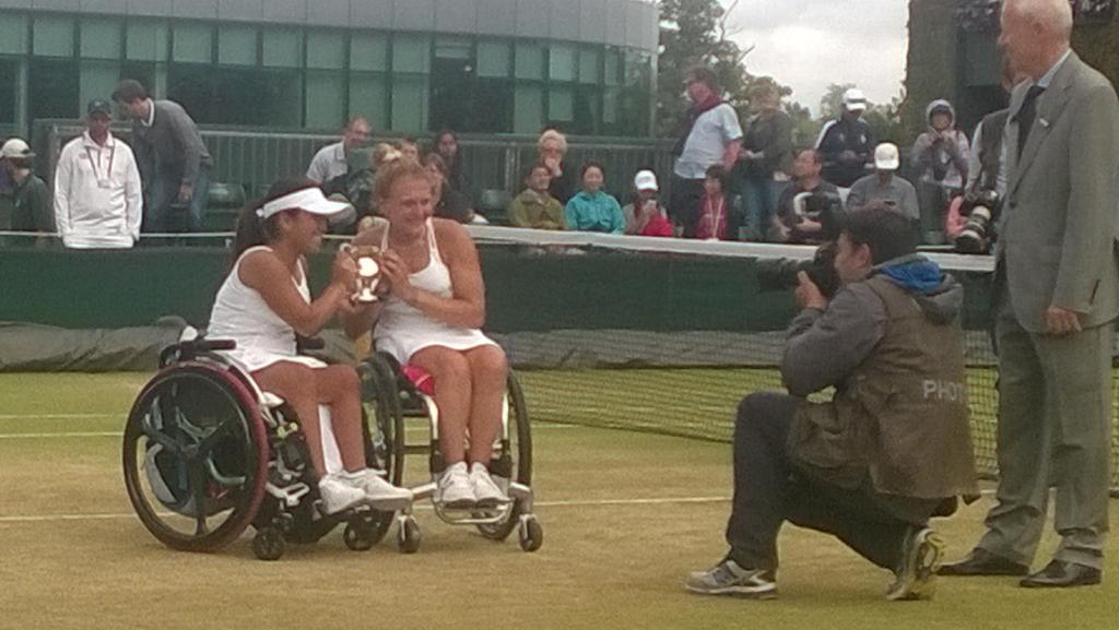 Ladies and gentlemen. Your #Wimbledon2015 BRITISH champion @jordannejoyce92 and partner Yui Kamiji!