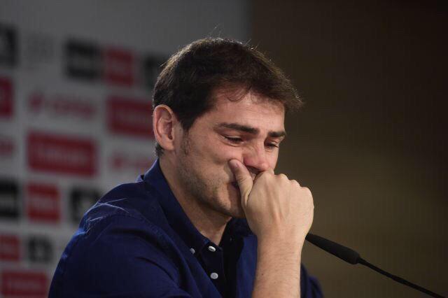 Iker Casillas en larmes à l'annonce de son départ du Real Madrid...