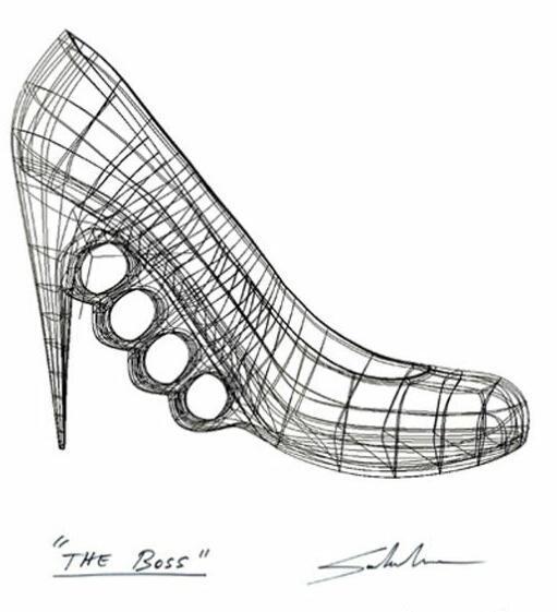 セバスチャン・エラスリス(1977〜)による「ボス」。チリ出身、アメリカ在住のデザイナー。3Dプリンターで制作されたハイヒールです。