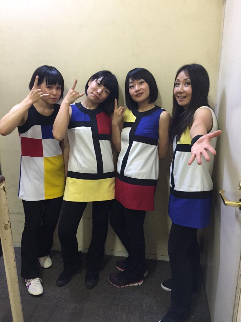 Shonen Knife news! http://t.co/KH49fyqBTG 新ドラマーの、りさちゃんと。 http://t.co/7HYLkWZfyB