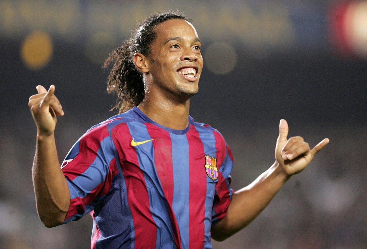 Liga Spanyol  - Ronaldinho Kembali Gabung Barcelona