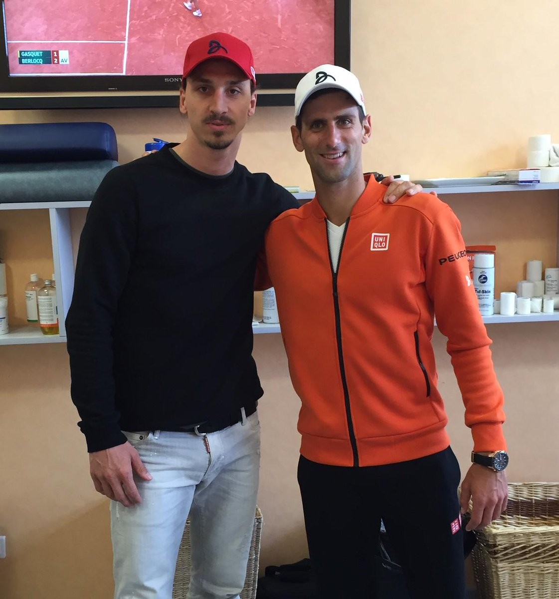 ¿Cuánto mide Novak Djokovic? - Altura - Real height CJunou0VAAAaz6D
