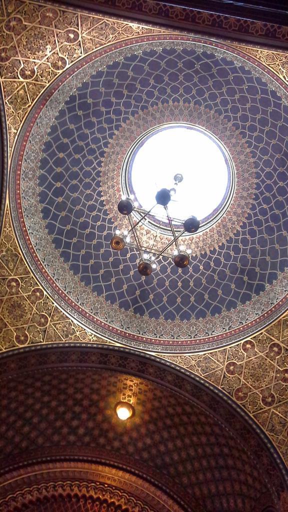 #mathphoto15 Spanish synagogue in Prague - Sinagoga española en Praga http://t.co/wzFdXAdx4p