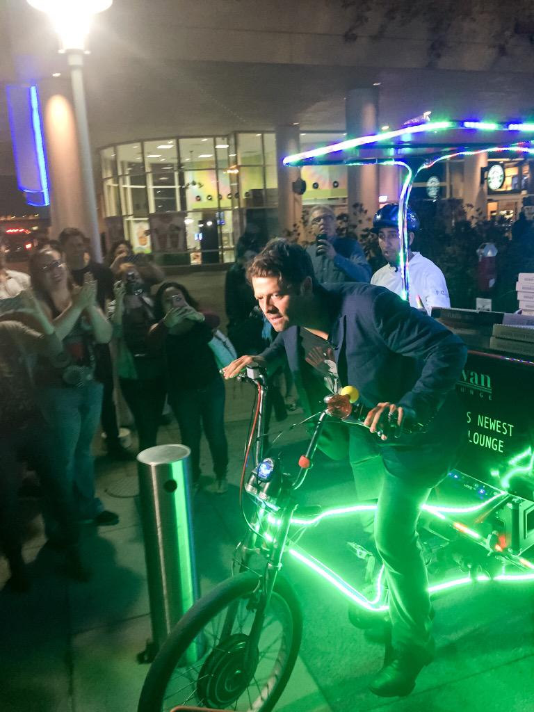 Last night was this; details at 11. #sdcc @HallHLine @mishacollins @cw_spn http://t.co/7eVg65oxWa
