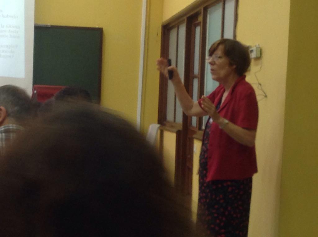 #EnEle2015  La importancia de la escucha activa. Aprendamos a escuchar  @janearnold_ @vicenele @PaulaLorente1 http://t.co/AmIRxtMKjE
