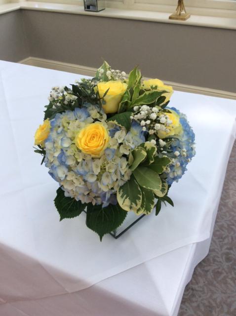 Kendalls Florist Beautiful Blue And Yellow Flower