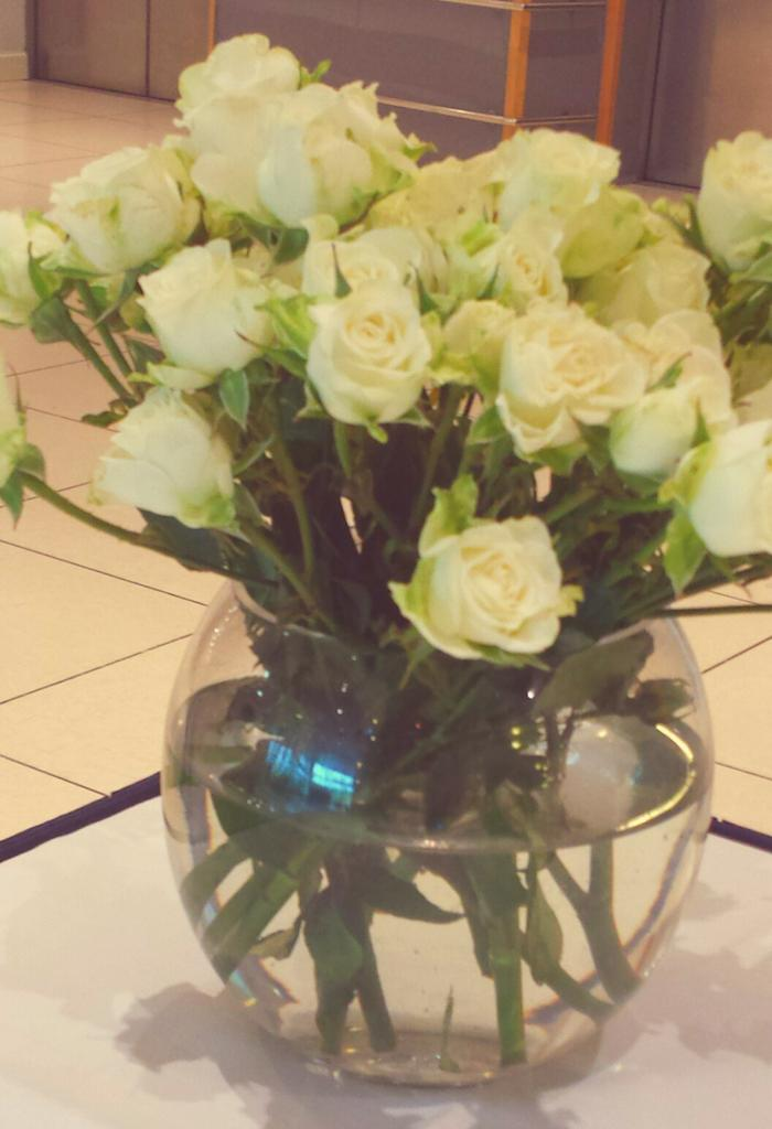 Thank you @citiblooms for the flowers goodbye #mondayblues http://t.co...