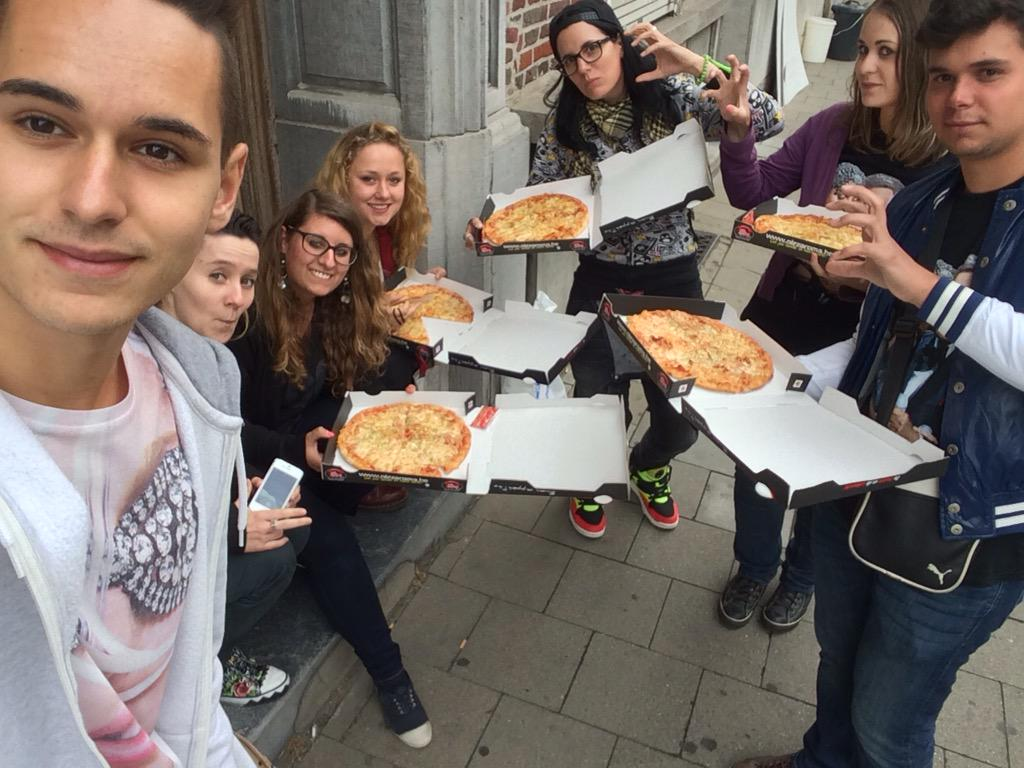 @LADYGAGA WE'RE WAITING FOR YOU, WE HAD TO ORDER PIZZA IN FRONT OF YOUR HOTEL ! Come and say hello !  ❤️  RT EVERYONE http://t.co/uCZhgZiAMK
