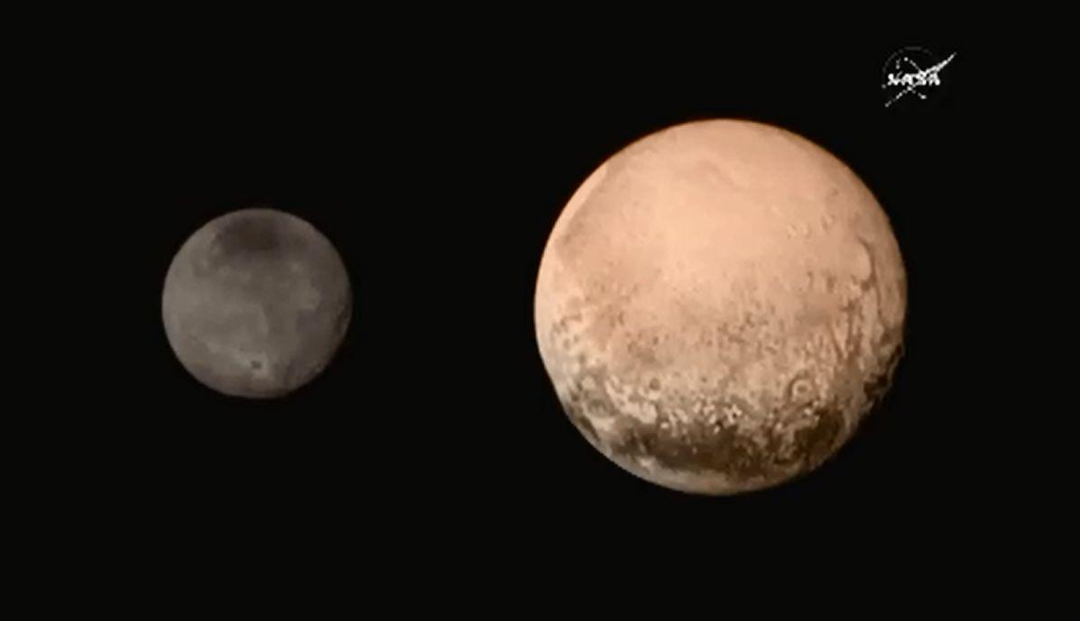 Here are some of the latest images of Pluto and its moon Charon #PlutoFlyby http://t.co/u5LzVIk1o9