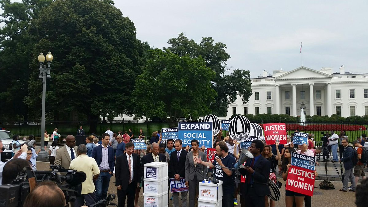 LIVE: 2.5 million expand #socialsecurity petitions delivered to the #WHCOA with @ssworks @nationalnow http://t.co/aLDUlmOqaw
