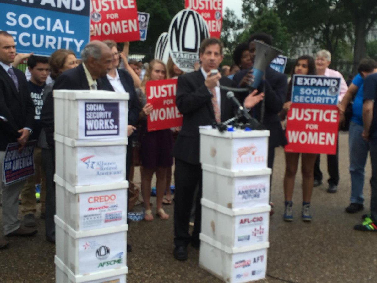 We need to expand #socialsecurity by lifting the payroll tax cap! - @jamie_raskin #whcoa #p2 http://t.co/g3wrYNewUf