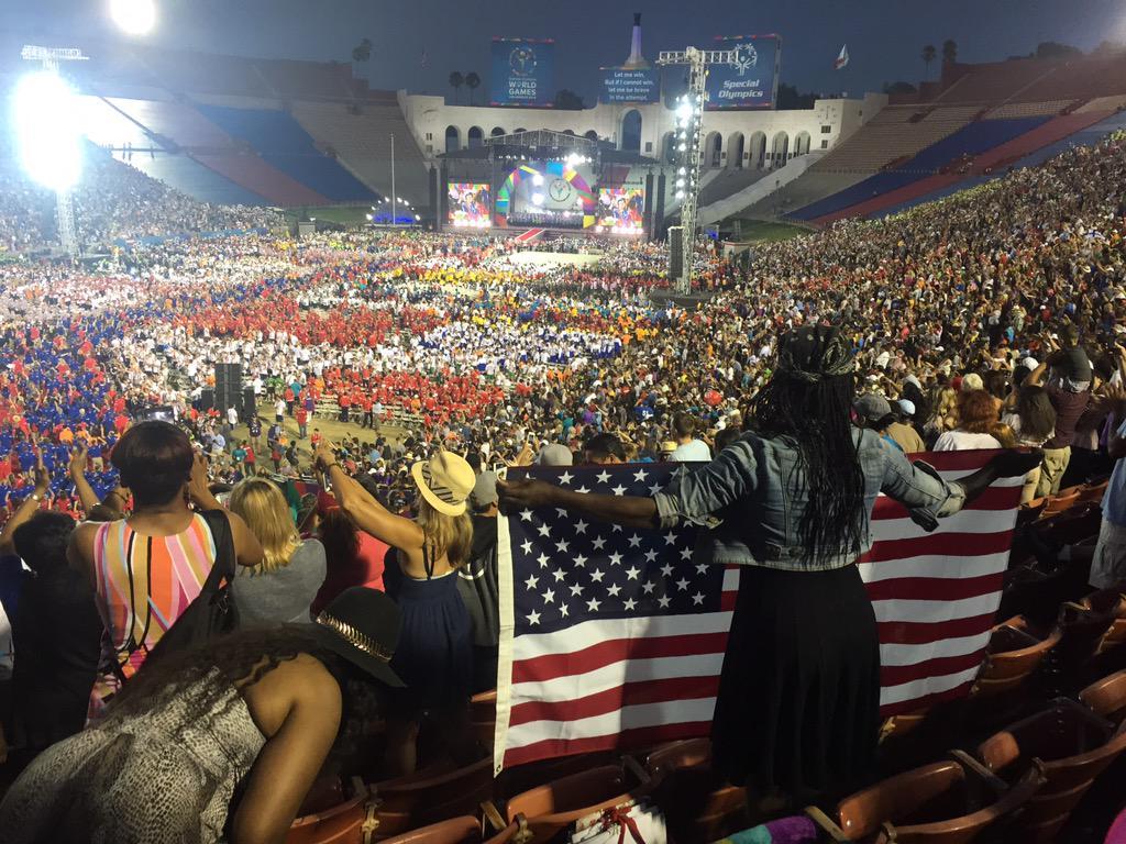 Crowd was cheering #TeamUSA LOUD!!!!!@LA2015 @specialolympics #ReachUpLA http://t.co/2bPyosOCY1