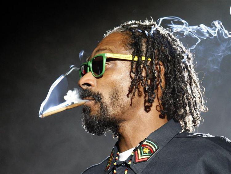 La police suédoise «soupçonne Snoop Dogg de consommer des stupéfiants» http://t.co/7Gta6hJ61J