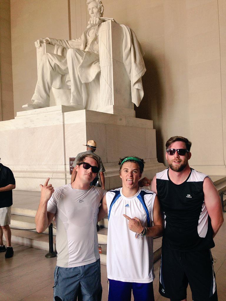 Washington morning run crew! Ticked off all the tourist spots in under 4 mile. @TheVampsBrad @Sledgehammertec