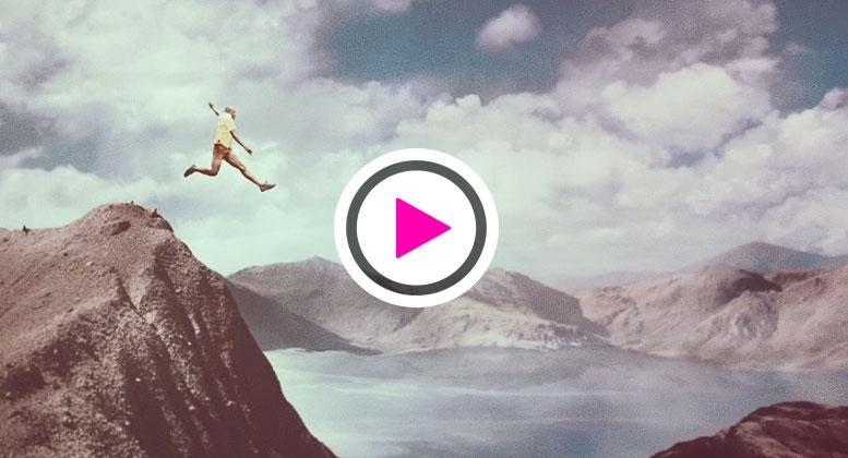 """El @Residente y @Visitante13 nos invitan a respirar el momento en vídeo para """"La Vida"""" http://t.co/UhBwhDeVsG http://t.co/y5VZbdjcWI"""