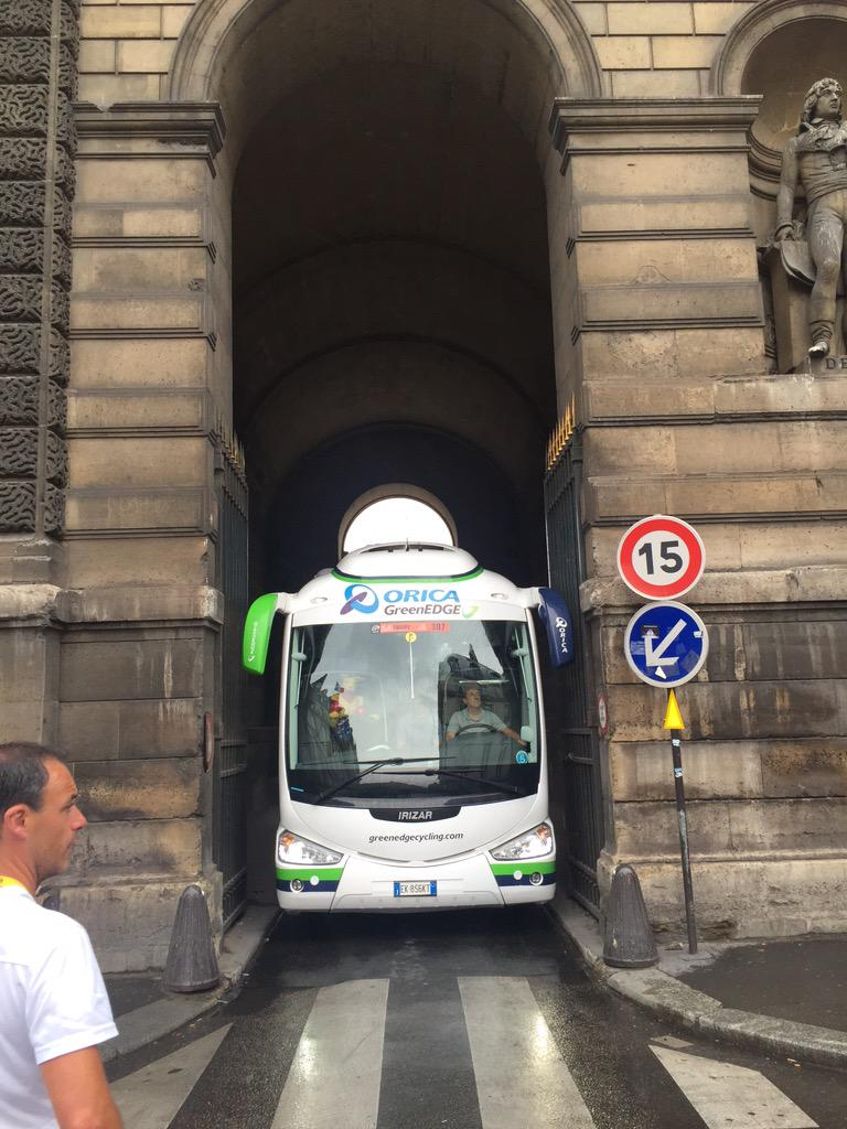 The @ORICA_GreenEDGE bus does Paris. http://t.co/2MvAktxG2K