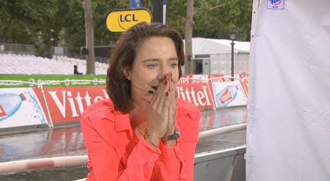 VIDEO Marianne Vos' reaction to Anna van der Breggen's #LaCourse victory was wonderful! http://t.co/HXvc0egPzZ http://t.co/Hv1GEu5j0V