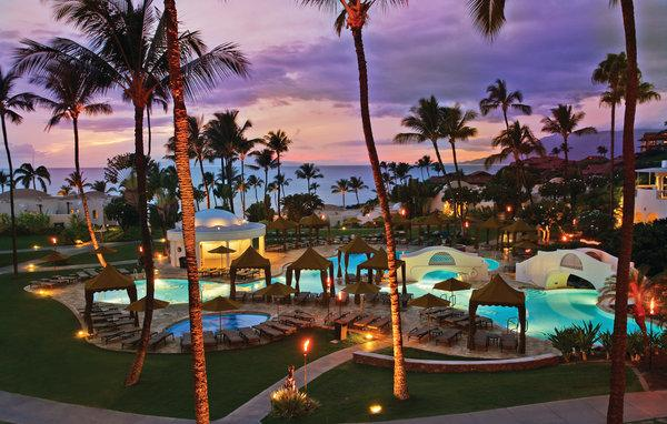 Is there anything more magnificent than a #Maui sunset? #FairmontKeaLani, #Paradise http://t.co/MpamVPorFu