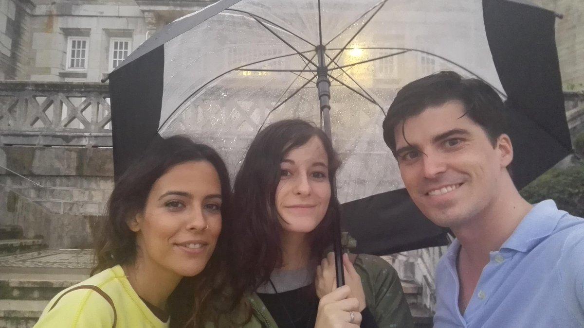 Al mal tiempo,buena cara.Inaugurando #ColeccionismoUIMP gracias a @FBancoSantander .Empezamos¡ http://t.co/Blbzk2KupB