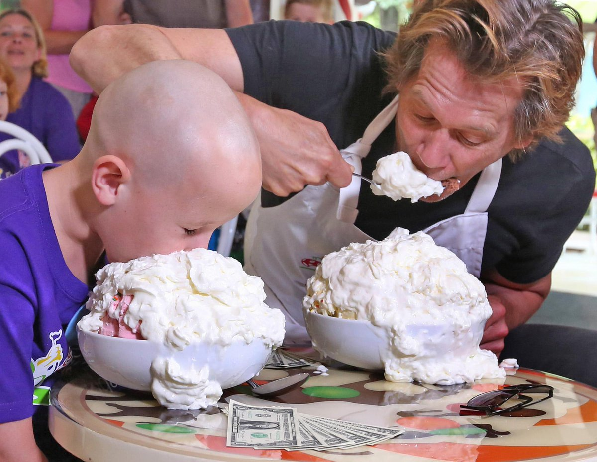 Ethan Gehman,7,left, squares off with actor @kevinbacon during  #GKTWchallenge this morning.@SixDegreesofKB #icecream http://t.co/mpI3MQJ6y5