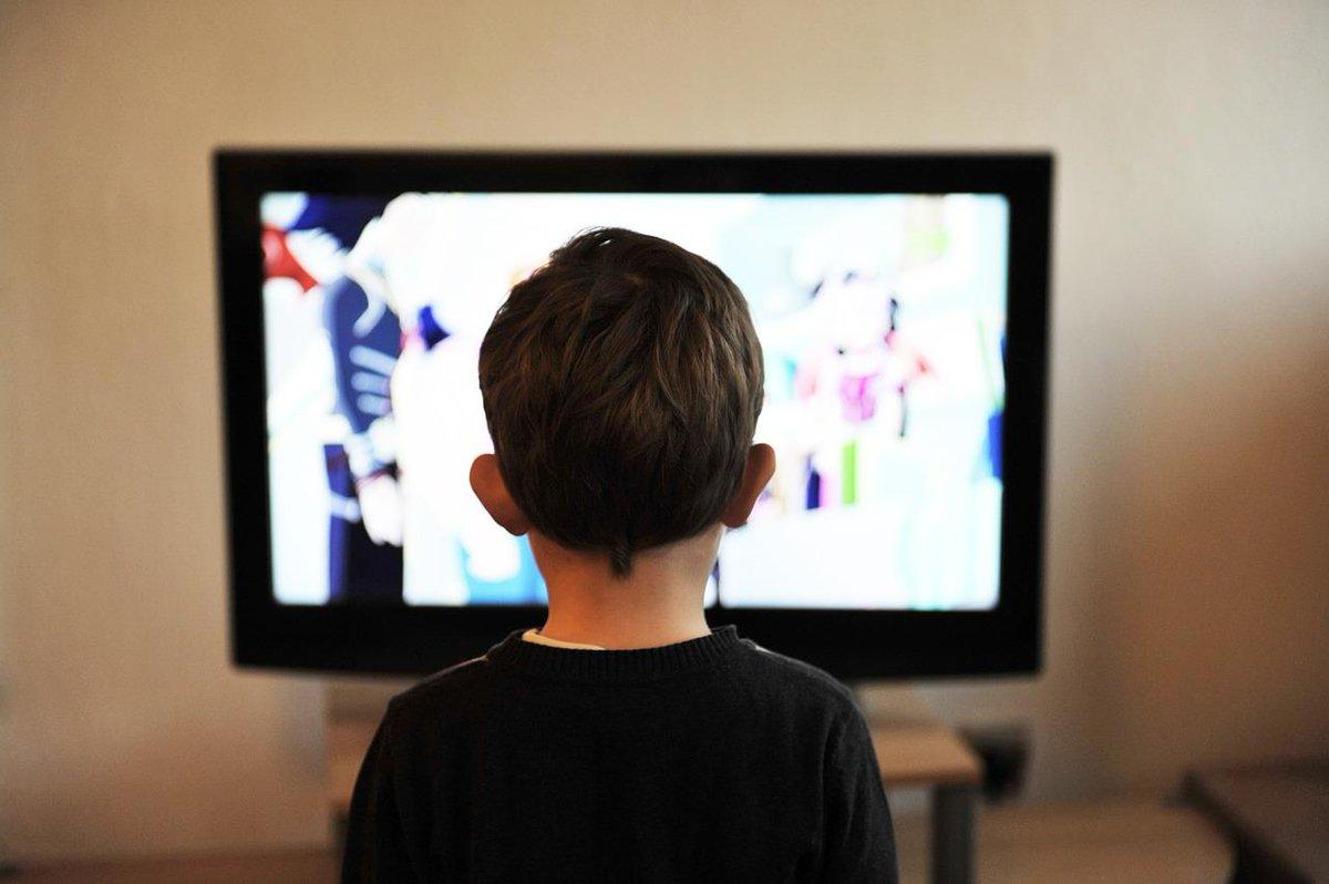 Çocuklarınızı Aptal Televizyon Programlarıyla Başbaşa Bırakmayın