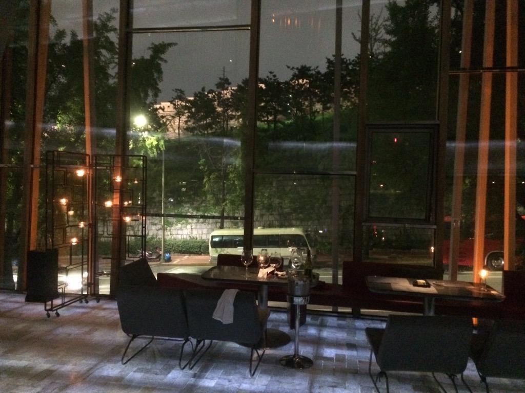 "best restaurant & bar in Seoul !!! ""Naos Nova"" http://t.co/fruu6o2ZwD"