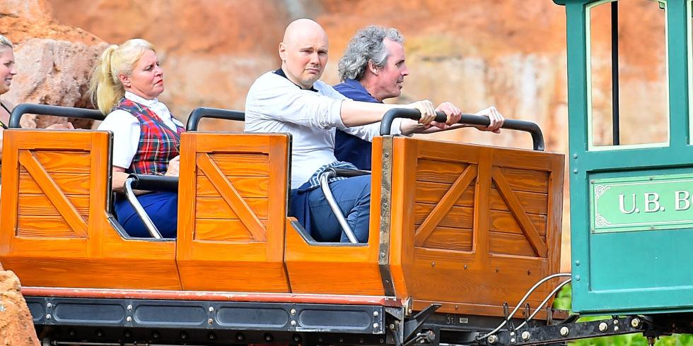 Current mood: Billy Corgan at Disneyland http://t.co/b8TKepooWg