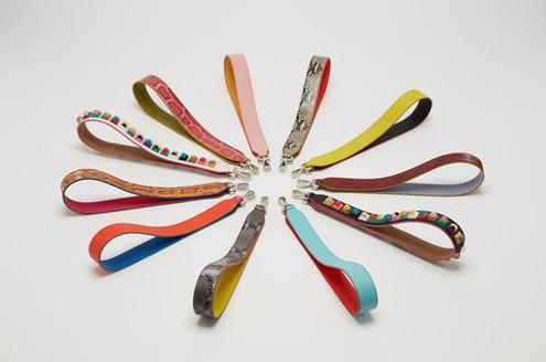 Osez la couleur avec les anses de sac amovibles de #Fendi. http://t.co/IgySVnGau6