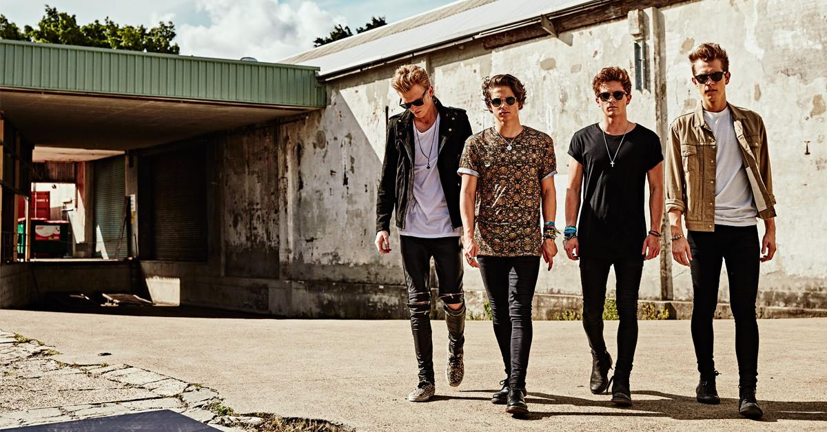 TONIGHT -- @TheVampsband with @BeforeYouExit, & @TheTide! 6pm Doors, 7pm Show, All Ages. Tix: http://t.co/F9xdWHxORa http://t.co/4M5xuQBUmc