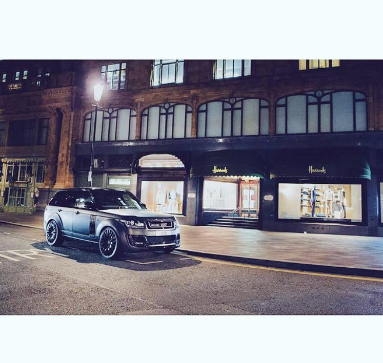 ..spotted outside @Harrods #projectkahn @LandRover_UK @ProjectKahn #RangeRover #afzalkahn #kahndesign #kahn #f1 http://t.co/ZdaMCeFROJ