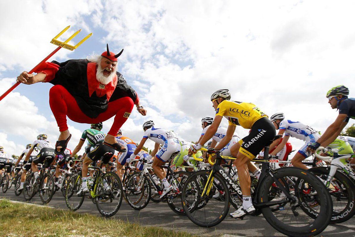#WeirdEd starts talking Tour de France in three minutes. Are you excited? http://t.co/f8KpCsMVR3