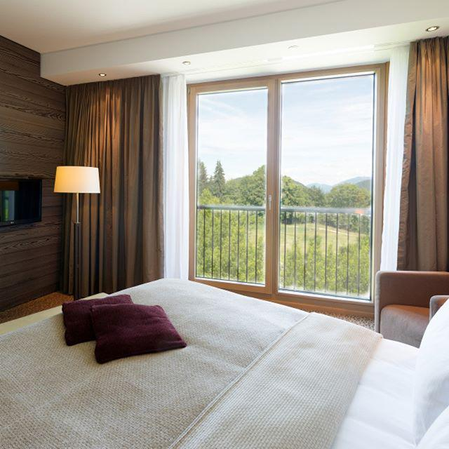 So jetzt geht's endlich auf ins @Kempinski #Berchtesgaden #Urlaub http://t.co/mCfUrb4dY3 http://t.co/rU0AHCseh6