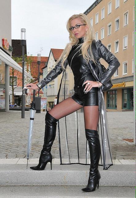 фото blonde shemale